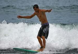bv-064_-_surfing_photo_sh_025903_120708